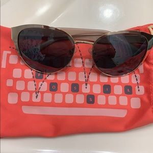 Women's fossil sunglasses with bag